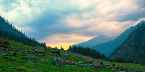 kasol_kheerganga_travel_photographer_avnish_aditi_03